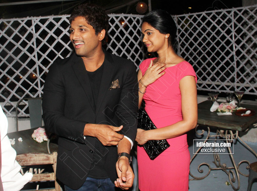 Allu Arjun and wife Sneha spotted at showing of Fall winter,13 ...