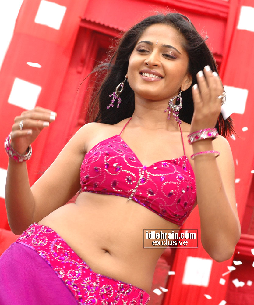 Tolly Girls: Desi Video and Clips Actress anushka20 with ...