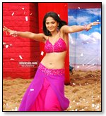 Anushka Showing Armpit