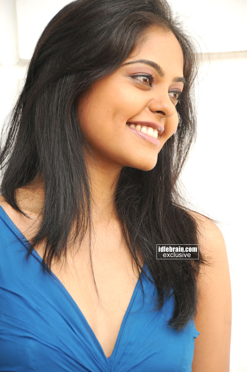 Bindu Madhavi Photo Gallery Telugu Cinema Actress