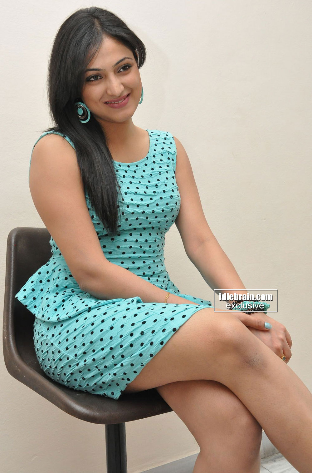 haripriya photo gallery telugu cinema actress. Black Bedroom Furniture Sets. Home Design Ideas