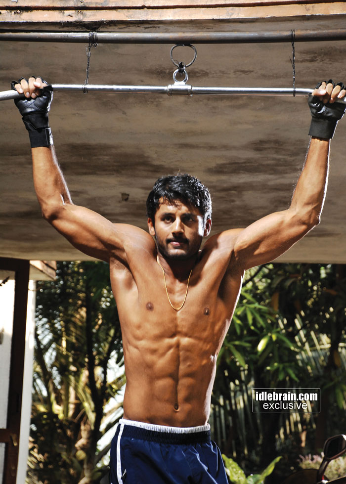 Prabhas six pack in bujjigadu nitin with 6 pack body for victory film photo gallery abhas six altavistaventures Images