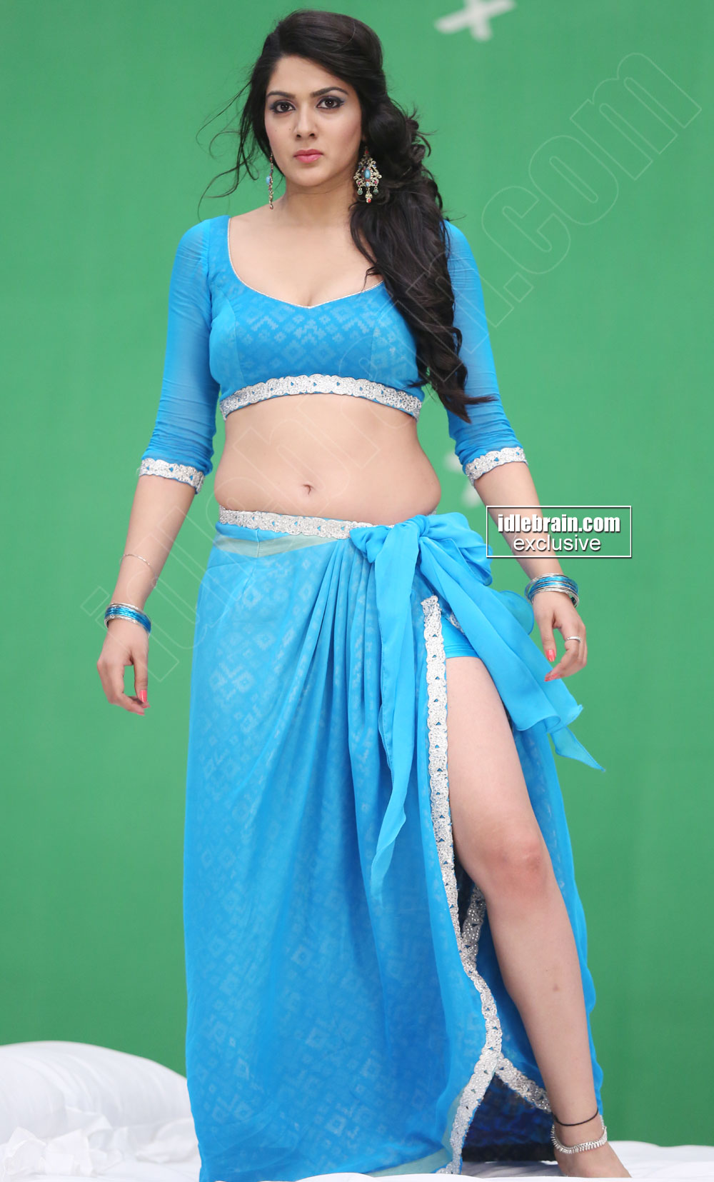 You are at idlebrain.com > Photo Gallery > Heroines > Sakshi Chowdary ...