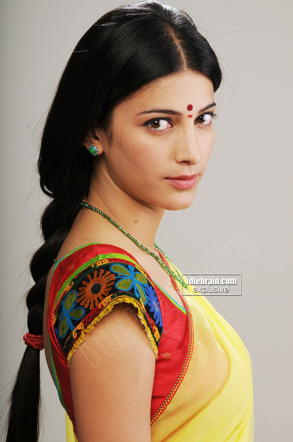You are at idlebrain.com > Photo Gallery > Heroines > Shruthi Hassan ...: www.idlebrain.com/movie/photogallery/shruthihassan32/pages/image040...