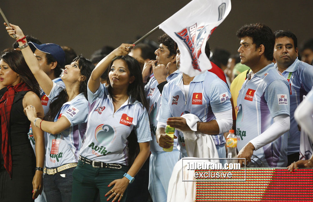 ... India: Celebs Hot Show @ CCL Season 3 Matches..Daily Updates